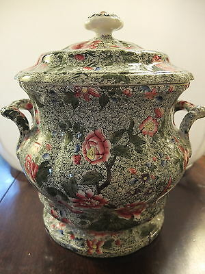 Spode's Fayence large lidded urn, printed green pattern on white, hand coloured