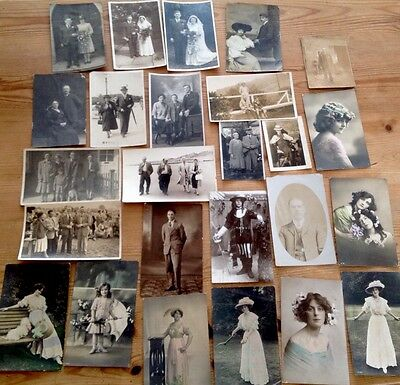 Postcard Antique Wedding/FamIly Portrait Vintage Fashion Photo Postcard TV PROP