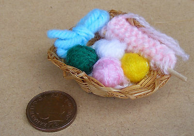 1:12 Scale Knitting In A Basket Dolls House Miniature Sewing Accessory