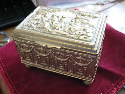 c. 1915 J.B. JENNINGS BROTHERS Swiss Movement MUSIC BOX Ormolu Gold Bruegel Swag