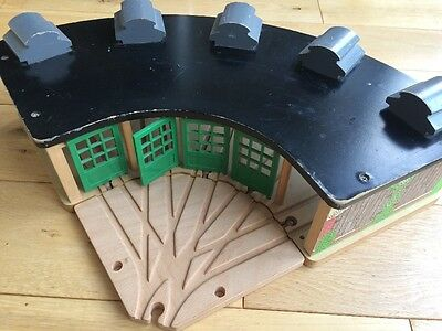 Thomas the Tank Engine Wooden Roundhouse Engine Shed Tidmouth
