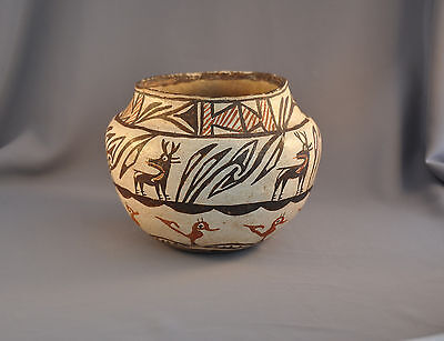 Great Old Classic Traditional Zuni Heartline Deer Pot -