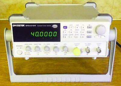 INSTEK SFG-2104 FUNCTION GENERATOR 0.1Hz to 4Mhz + MANUAL-GOOD CONDITION & ORDER