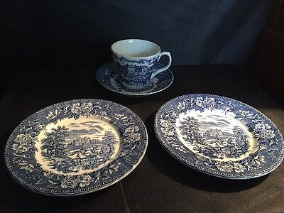 Aynsley Blue & White Englands Heritage Cup And Saucer & Two Pair Of Side Plates