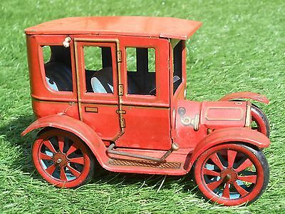 VINTAGE 1950s TINPLATE MODEL T FORD CAR MADE IN JAPAN - T152 GREAT WORKING ORDER
