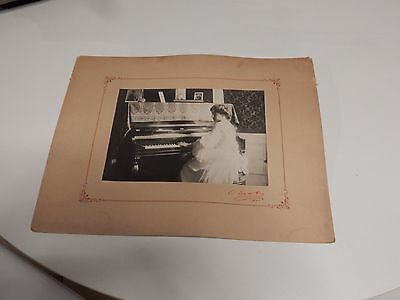DEMURE GIRL PIANIST  CIRCA 1905   LARGE AUTHENTIC MOUNTED PHOTOGRAPH 36 X 27 cm