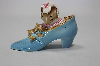 Beswick Beatrix Potter Old Women who Lived in the Shoe GOLD BP2a 1948-1995