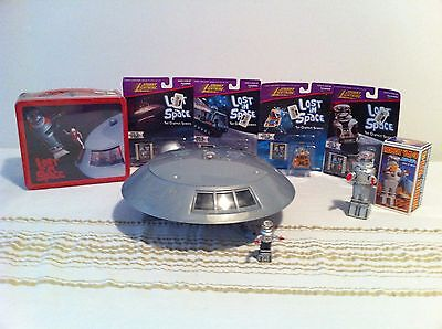 Lost In Space  Trendmasters Jupiter 2,b9 Robot,space Pod, Chariot And Lunchbox