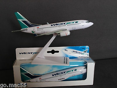 Westjet Boeing B737-700 Push Fit Daron Model PR007 1:200 Scale - New and Boxed