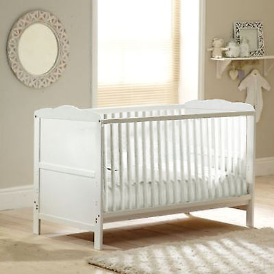 New 4Baby White Classic Baby Cot Bed & Sprung Cotbed Safety Mattress