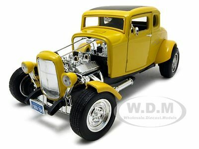 1932 Ford Hot Rod Yellow 1:18 Diecast Model Car By Motormax 73172