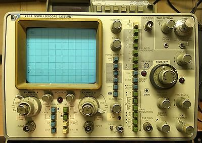 HP 1725A Oscilloscope (275MHz) WITH MULTIMETER