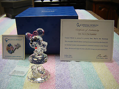Crystal World  MINNIE MOUSE Disney Showcase Collection  Gee, You're the Sweetest