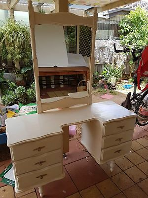 DRESSING TABLE WITH MIRROR / great condition