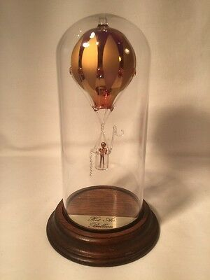 Glass Hot Air Balloon In Dome Case (ref W757)