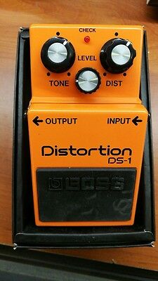 Boss Ds1 Ds-1 Distortion Guitar Pedal Pedale Chitarra Wwship