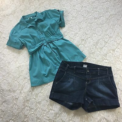 Motherhood Maternity womans Outfit, Lot of 2 denim shorts short sleeve top Large