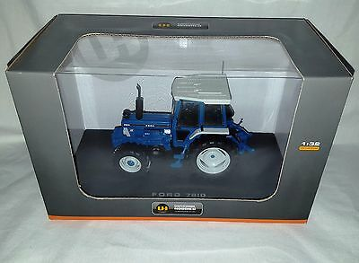 Universal Hobbies Blue Farm Ford Tractor 7810 Boxed 1/32 Scale Not Britains
