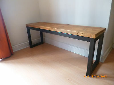 Bench in antique pine on steel frame