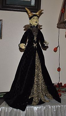 NEW ELEGANT WITCH doll Halloween VAMPIRE DRESS STANDING FIGURE BALL BLACK/GOLD