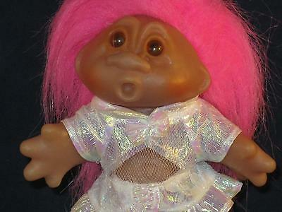 "5""1986 Dam Troll Pink Haired Girl Wearing Pink Short Krinkle Dress  Lqqk!  V655"