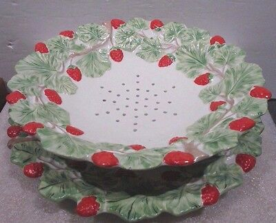 2 Pcs Mottahedeh <> Footed Strawberry Strainer & Plate <> Italy