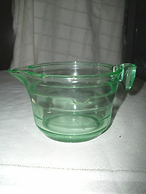Vaseline glass 2 cup measuring cup pat applied for