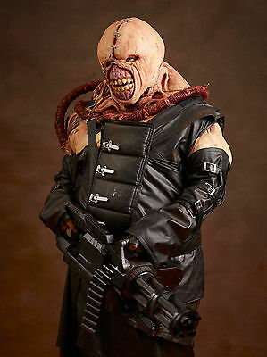 Nemesis Resident Evil Costume / Cosplay / Prop