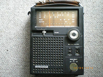 vintage 1950,s-60,s loyds radio batt or electric muti band police air working