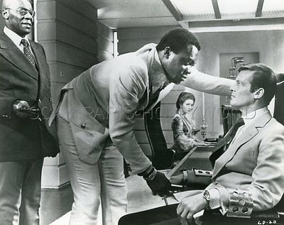 James Bond 007 Roger Moore  Yaphet Kotto Live And Let Die 1973 Photo Original #9