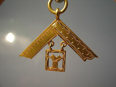 15ct Gold Masonic past masters watch chain fob fupp past masters square
