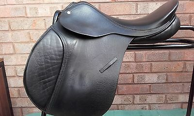 "17"" Black Barnsby Gp Saddle - Nm / M Fit"