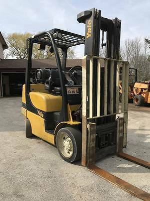 "2011 Yale 6000 Lb Used Forklift 189"" Triple Mast  Non Marking Cushion Tires"