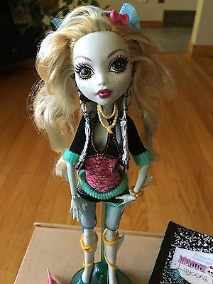 Mattel Monster High Lagoona Blue Doll With Accessories. Pet Fish. Stand. Book
