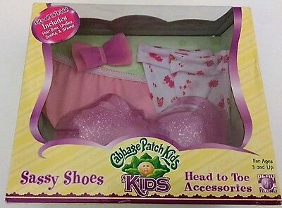 MIB CABBAGE PATCH KIDS PINK SASSY SHOES HEAD TO TOE ACCESSORIES, 2007 Play Along