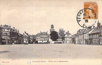 VERNEUIL - Place Madeleine