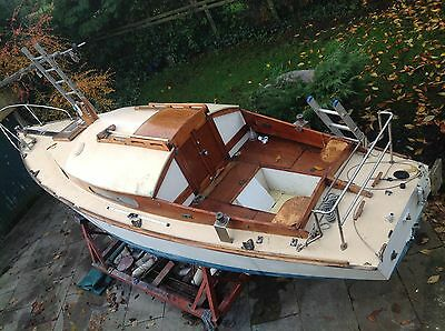 Yacht, Shearwater 23ft, 4 berth, inboard engine, sailing boat, classic yacht