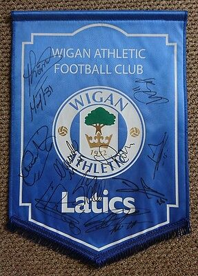 Wigan Athletic 2009 squad signed pennant  AFTAL PROOF