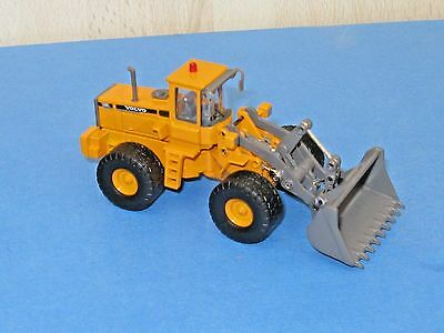 Motoart 1/76 Volvo L150C Articulated Digger *Unboxed*