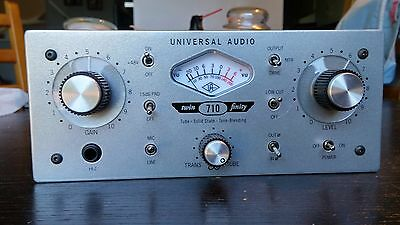 Universal Audio 710 Twin-Finity (Tube / Solid State) Microphone PreAmp & DI