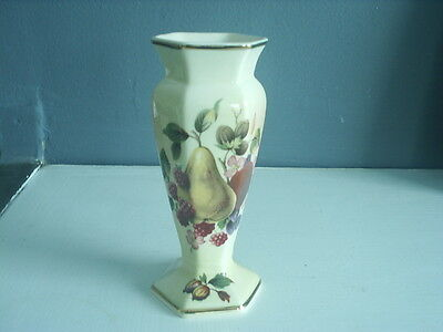 Lovely  ROYAL WORCESTER Palissey FRUIT VASE - EXCELLENT Cond 12 cm tall