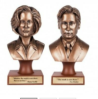 X Files FBI Agents Scully AND Mulder Statue Busts 2016 Duchovny New Statue Fox