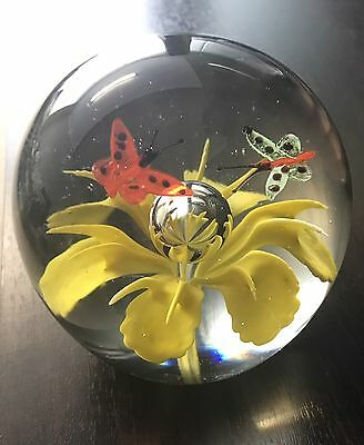 BEAUTIFUL Yellow Flower With 2 Butterfly's Glass Paper weight VINTAGE