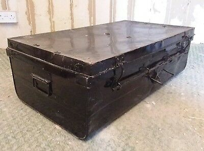 Vintage/Rare Metal Travel Chest