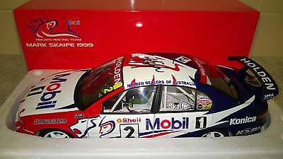Signed - 1:18 - 1999 Mark Skaife V8 Supercars #2 Model - RARE - Holden HSV HRT