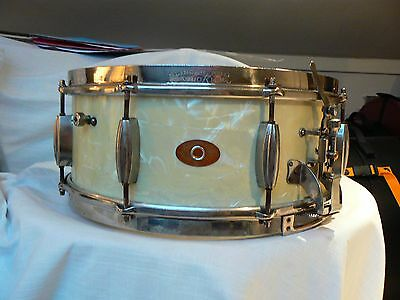 Slingerland RadioKing Early 1950s Snare Drum - One piece Maple Shell.