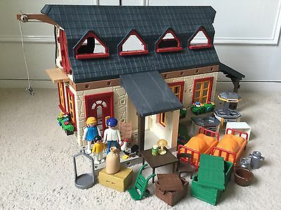 PLAYMOBIL Farm House Building From 4055 With Furniture And Farmers