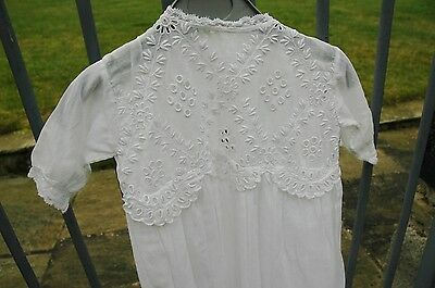 Beautiful Vintage Embroidered Fine White Cotton Baby Christening Gown Dress
