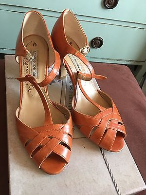 AGNES AND NORMAN Vintage Style T-Bar Orange Heels Sandals Size 3