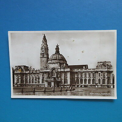 Old Postcard of The City Hall, Cardiff.